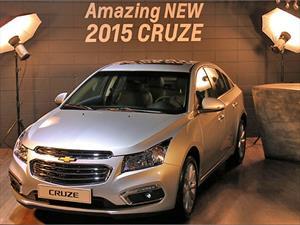 Chevrolet Cruze se actualiza para el año 2015: Inició venta en Chile