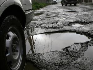Baches, el principal problema de las calles en México