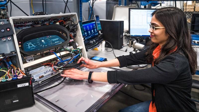 GM sumará a 3.000 ingenieros y técnicos especialistas en la movilidad eléctrica y autónoma