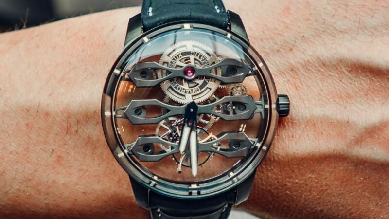 Tourbillon with Three Flying Bridges-Aston Martin Edition: un reloj espectacular