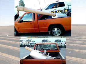 Una camioneta con un cañón que dispara droga