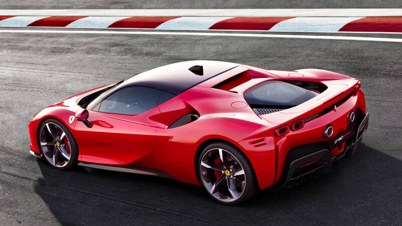El primer Ferrari SF90 Stradale ya está en Chile
