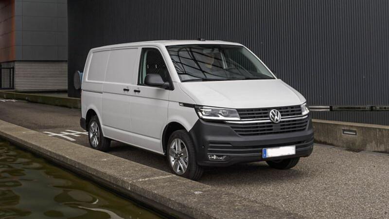 Volkswagen Transporter 6.1 2021 llega a México, la van de carga y pasajeros cambia de imagen