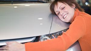 Compradores adquieren un auto por la fama de la marca
