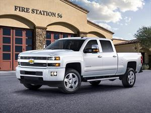 Chevrolet Silverado con el sello Custom Sport