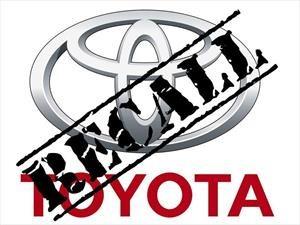 Toyota llama a revisión a 774,000 unidades de la Sienna