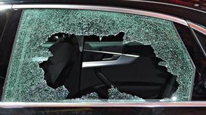 ¿Por qué los vidrios del auto no se rompen como los normales?