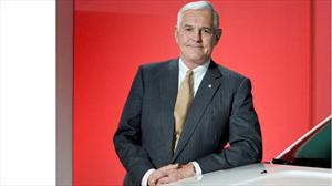 """Continúa """"Bob"""" Lutz como asesor de GM"""