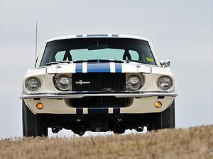 Shelby GT500 Super Snake 1967 es vendido en $1.3 millones de dólares