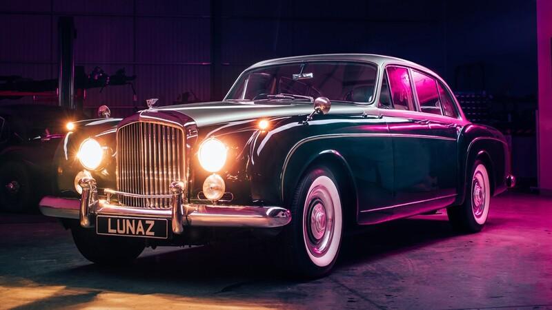 Un Bentley Continental Flying Spur de 1961 renace como auto eléctrico gracias a Lunaz