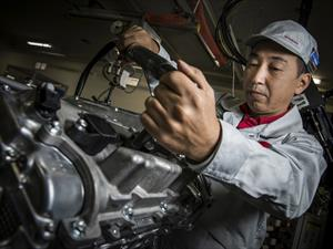 Así se fabrica el motor del Nissan GT-R 2017