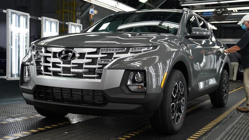 Hyundai ya está fabricando la pick-up Santa Cruz 2022
