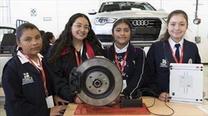 Mujeres incursionan en la industria automotriz gracias al Audi Girls' Day