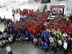 KIA celebra 300 mil unidades producidas en México