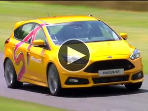 Video: Ford Focus ST enfrenta a su gemelo virtual
