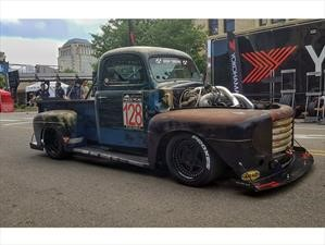 Old Smokey F1 por Chuckles Garage es un Ford F1 1949 dotado de 1,200 hp