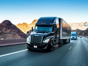 Freightliner Cascadia es un camión autónomo sorprendente
