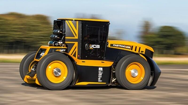 JCB vuelve a bajar el récord de velocidad con un tractor