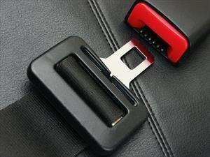 La importancia del cinturón de seguridad en la parte de atrás