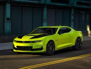 Chevrolet Camaro 2019 Shock Yellow, un muscle car que roba miradas