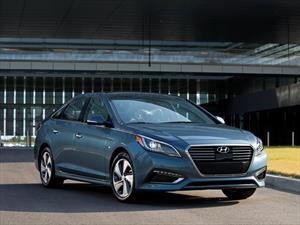 Hyundai Sonata Plug-in Hybrid 2016 tiene un precio inicial de $29,681 dólares