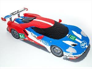 Un Ford GT construido con Lego