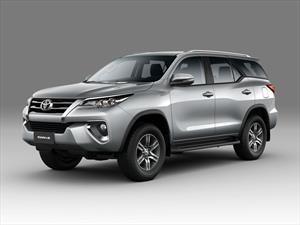 La Toyota SW4 suma una versión en Argentina