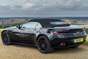 Aston Martin adelante el look de su futuro descapotable