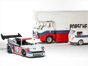 Martini Porsche Racing Set construido con piezas de LEGO