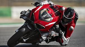 Ducati Superleggera V4: tanta potencia como un Golf GTi, pero pesando casi un 90% menos