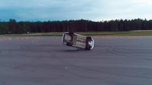 Puede fallar: espectacular accidente en una exhibición de la policía rusa