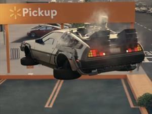 Video: esto pasa cuando los autos más famosos del cine van a comprar a Walmart