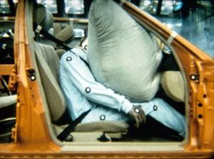La bolsa de aire para el pasajero delantero cumple 30 años
