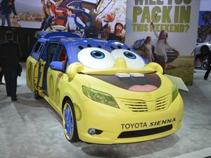 Toyota Sienna de Bob Esponja llama la atención de Los Angeles