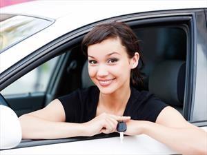 5 cosas que no se deben hacer al manejar