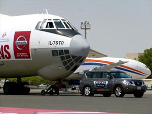 Nissan Patrol arrastra un avión de 170 toneladas