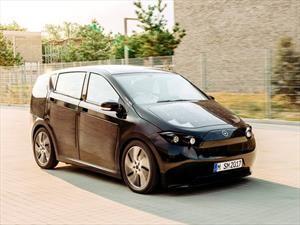 Sono Motors Sion, el auto eléctrico que se carga con paneles solares