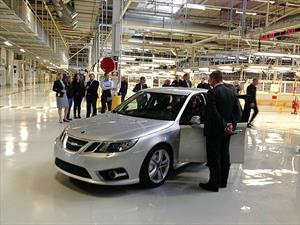 Saab renace de la quiebra y vuelve a producir vehículos