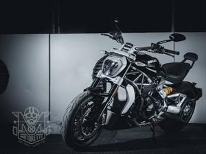 Ducati XDiavel S, sensual moto italiana