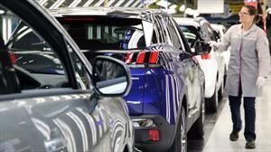 Peugeot, Citroën, DS Automobiles, Opel y Vauxhall cierran sus plantas en Europa por el Covid-19