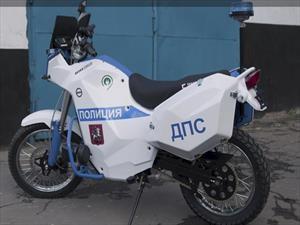La policía del Mundial de Rusia 2018 se mueve en vehículos Kalashnikov