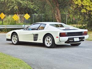 Venden la famosa Ferrari Testarossa de Divisón Miami