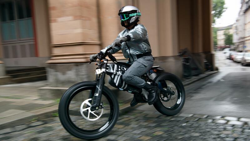 BMW Motorrad Vision AMBY, movilidad sustentable en dos ruedas
