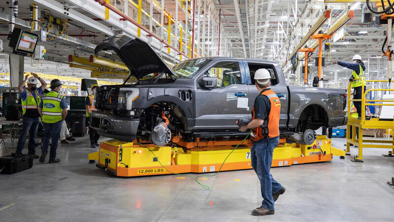 Video: Ford destinará gigantesca inversión para fabricar baterías