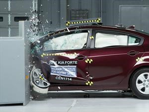 Kia Forte 2017 obtiene el Top Safety Pick + del IIHS