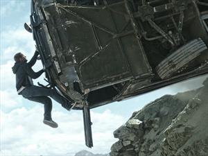 ¿Cuántos autos destruyeron en Rápidos y Furiosos 7?