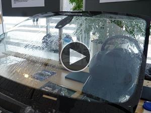 Video: Dos chicos alemanes inventaron un sistema que usa el agua de lluvia en los parabrisas