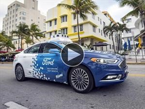Video: Un Ford Mondeo autónomo hace de delivery en Miami