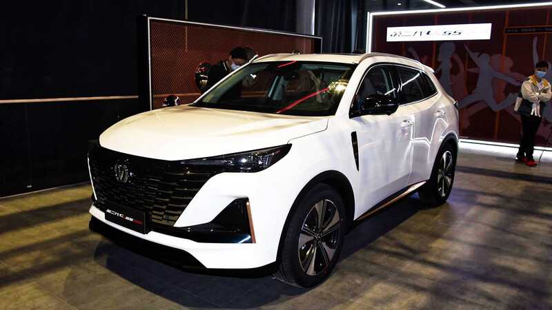 Changan CS55 Plus 2022 ve la luz en Shanghai 2021