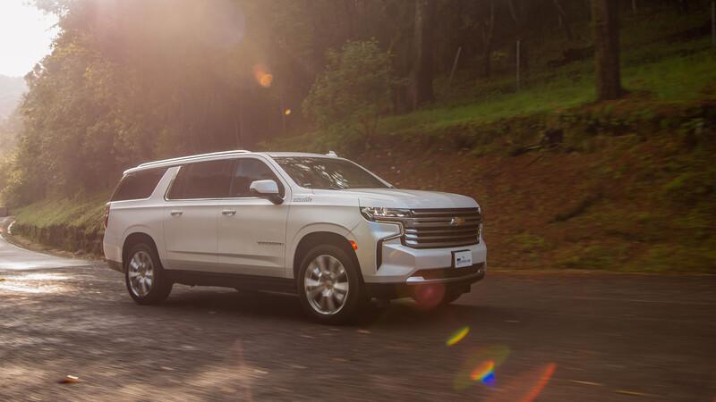 Chevrolet Suburban 2021 a prueba, tiene todo para conservar su liderato